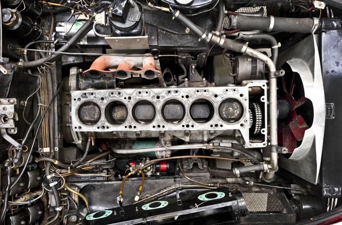 Aston Martin Unleaded Fuel conversion, Cylinder Head re Build